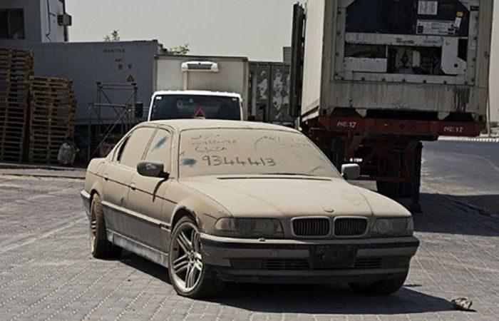Opuszczone samochody Dubaju 8