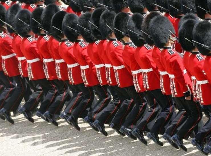 Parady wojskowe 9