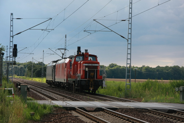 362 900-3 +185 069-2 +ES 64 F4-158 Briesen (Mark)