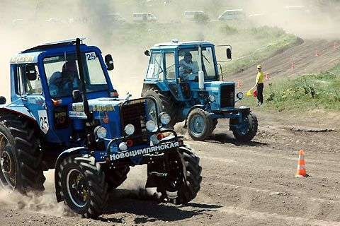 Wyścigi traktorów 16