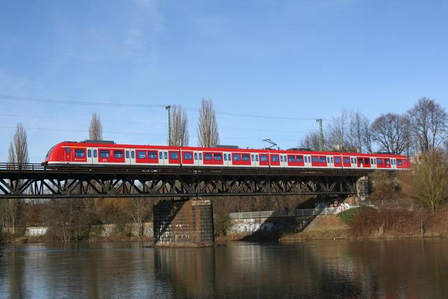 422 017-4 Essen Steele Ruhrbrücke