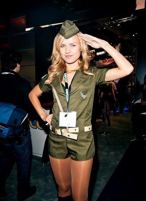 Hostessy z E3 34
