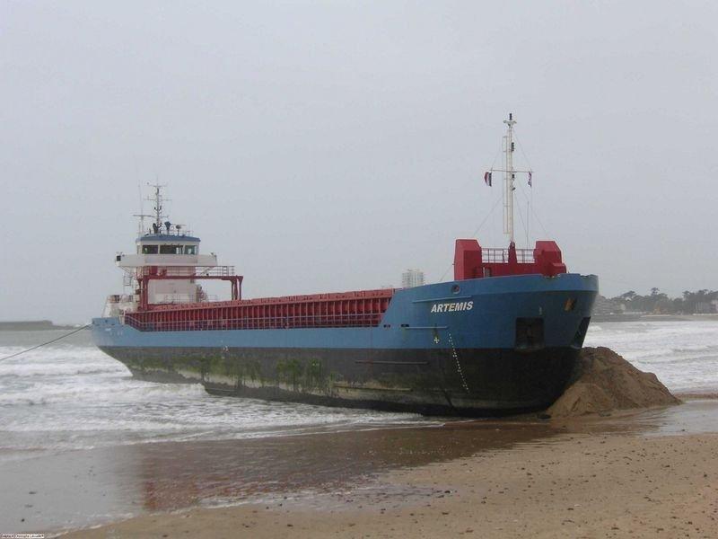 Statek na plaży 22