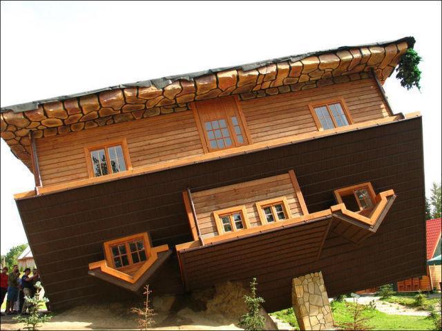 Dom do góry nogami w Szymbarku 9