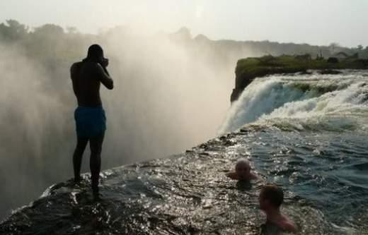 Wodospady Wiktorii w Zimbabwe 6