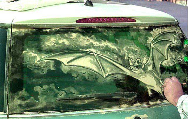 Obrazy na brudnych samochodach 22