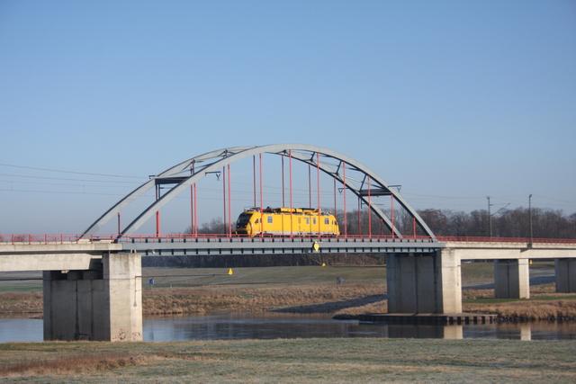 711 103-2 Torgau Elbebrücke