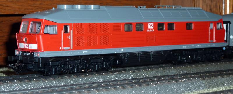 Trix Startpackung 21524 BR 234 mit IC Wagen 7c5uz4