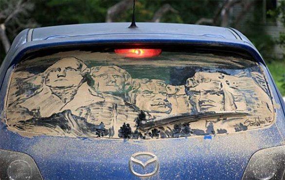 Obrazy na brudnych samochodach 11