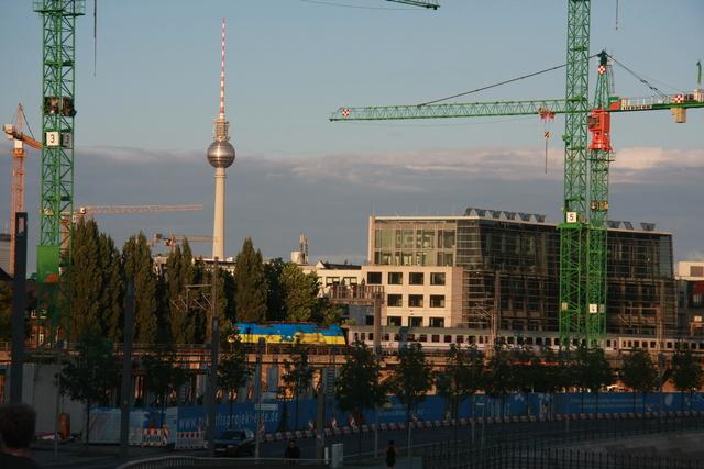 91 51 5 370 004-x PL-PKPIC Einfahrt Berlin Hbf