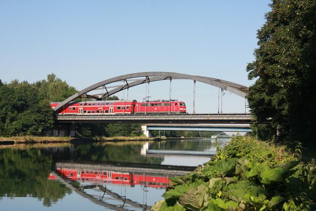 91 80 6 111 087-3 D-DB  RE 4843 Mittelandkanlbrücke