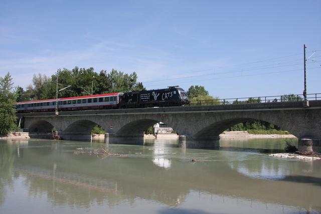 91 81 1166 153-8 CATS Salzburg Saalachbrücke