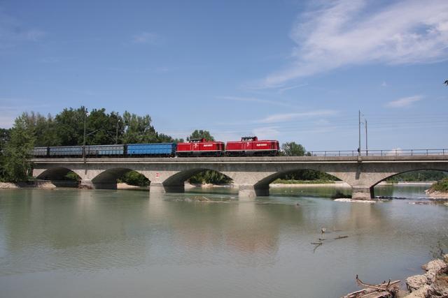 92 81 2000 083-2 A-SLB + 92 81 2000 086-6 S-SLB Salzburg Saalachbrücke