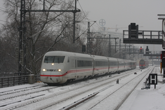 93 80 3 808 024-4 D-DB Saalfeld (Saale) Berlin Tiergarten