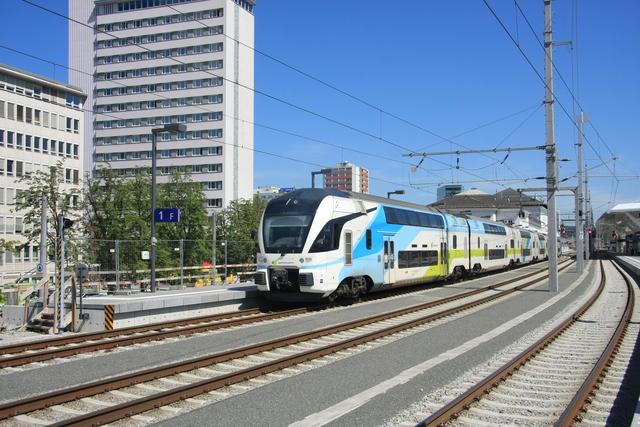 93 85 4010 104-6 CH-WSTBA Ausfahrt Salzburg Hbf