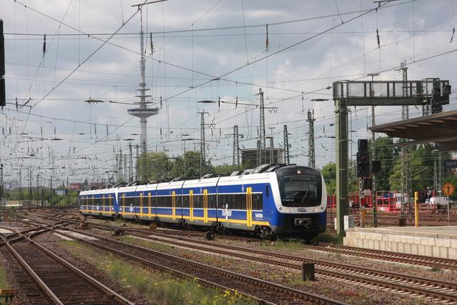 94 80 0440 214-5 D-NWB (ET 440 214) Bremen Hbf