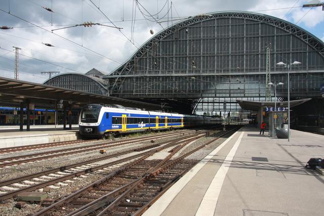 94 80 0440 217-8 D-NWB (ET 440 217) Bremen Hbf