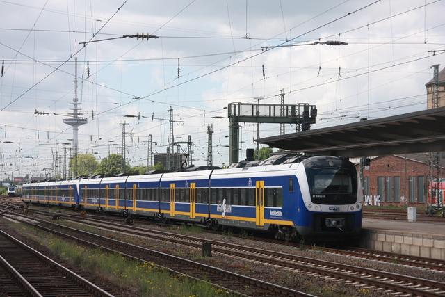 94 80 0440 716-9 D-NWB (ET 440 216) Bremen Hbf