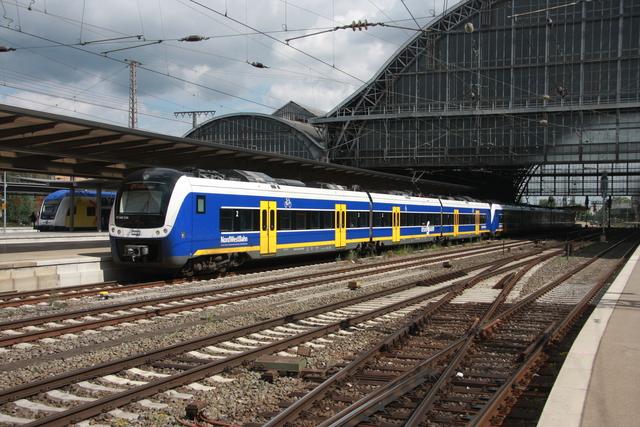 94 80 0440 834-0 D-NWB (ET 440 334) Bremen Hbf