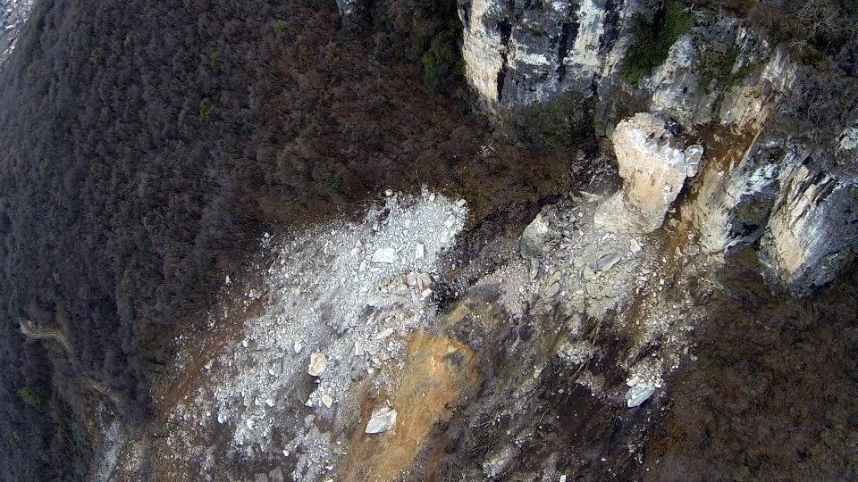 Osuwisko skalne 10