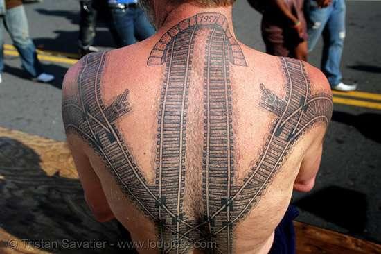 Kolejowy tatuaż 1