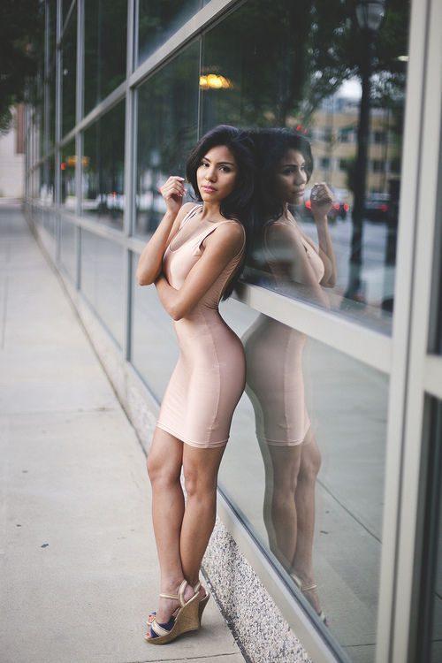 Obcisłe sukienki #15 13