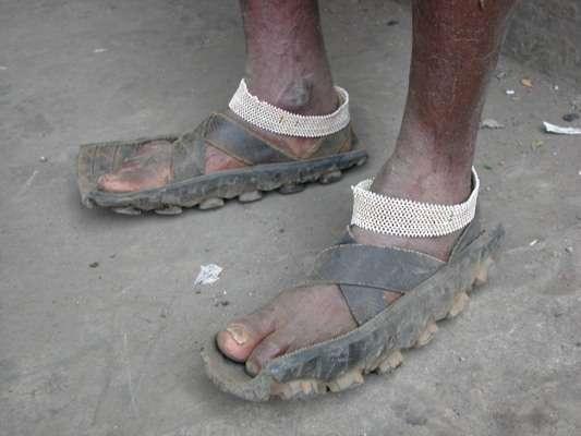 Afrykańskie sandały z opon 1