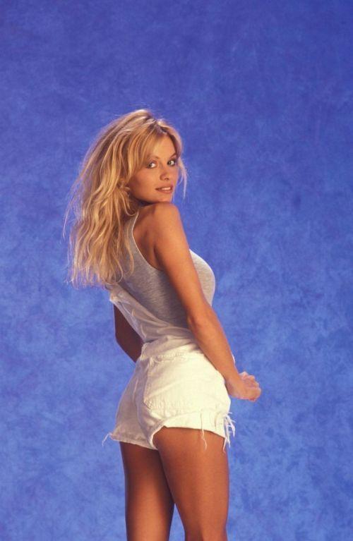 Młoda Pamela Anderson 15