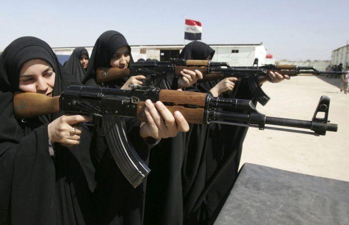 Kobiety w mundurach 26