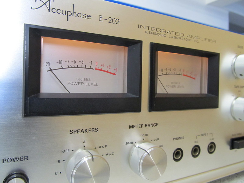 [Bild: accuphase-e202-6-4552w6xcd.jpg]