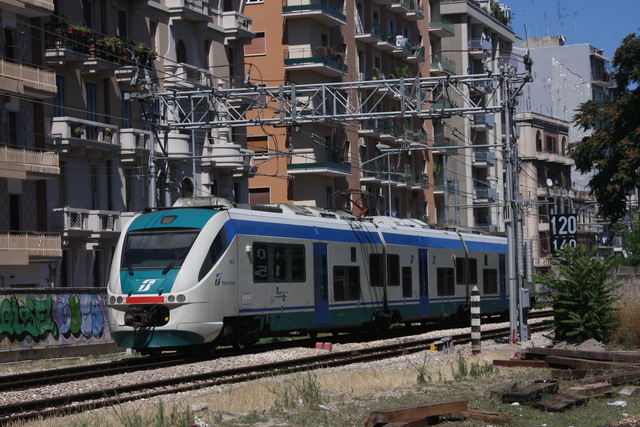 ALe 502-012 Bari via Emanele Mola