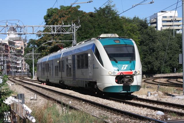 ALe 502-021 Bari via Emanele Mola
