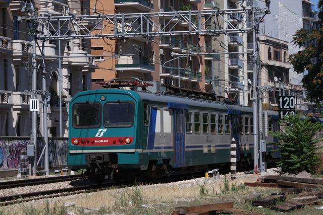 ALe 582-067 Bari via Emanele Mola