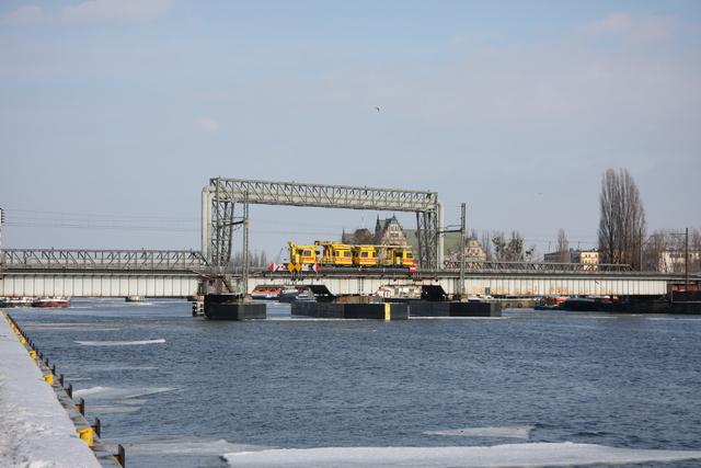 Baufahrzeuge Szczecin Oderbrücke