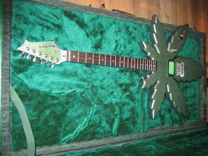 Najdziwniejsze gitary 24