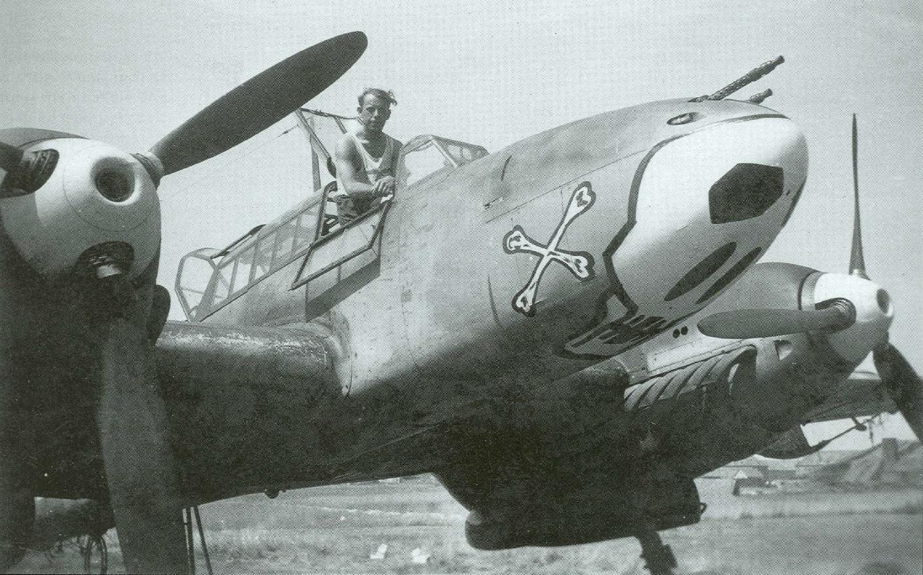 bf-110-totenkopf-2rrilb.jpg
