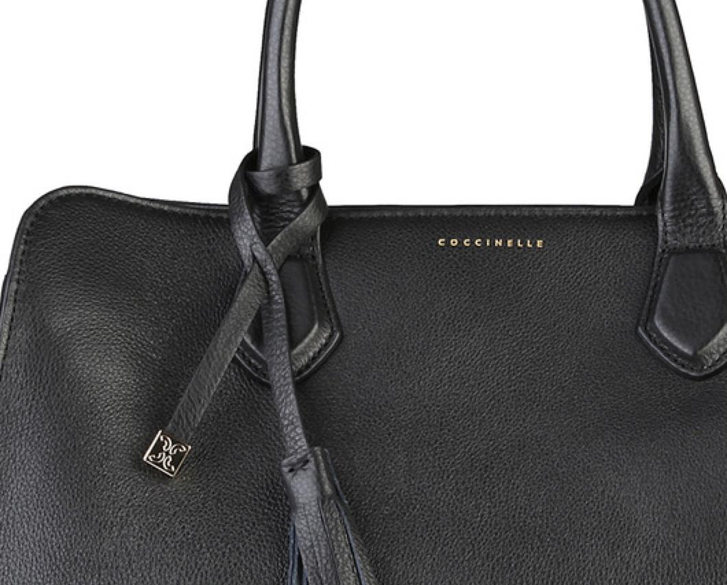 coccinelle handtasche tasche in schwarz leder kollektion 15 16 ebay. Black Bedroom Furniture Sets. Home Design Ideas