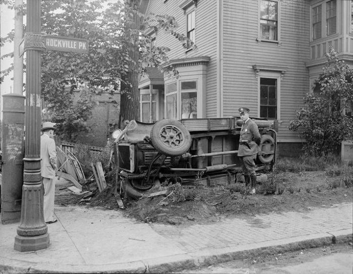 Wypadki samochodów w latach 30. 28