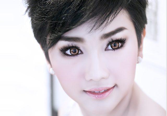 Pięknookie kobiety 24