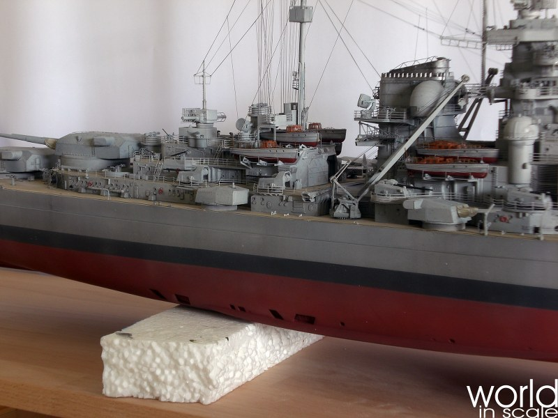 Schlachtschiff BISMARCK - 1/200 v. Trumpeter, MK.1 Design, uvm. - Seite 12 Cimg1331_800x600zgu47