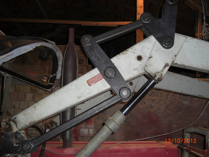 Frontladerumbau auf hydraulische gerätebetätigung mit mechanischer