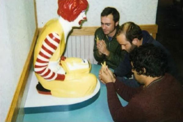 Niełatwe życie Ronalda McDonald 4