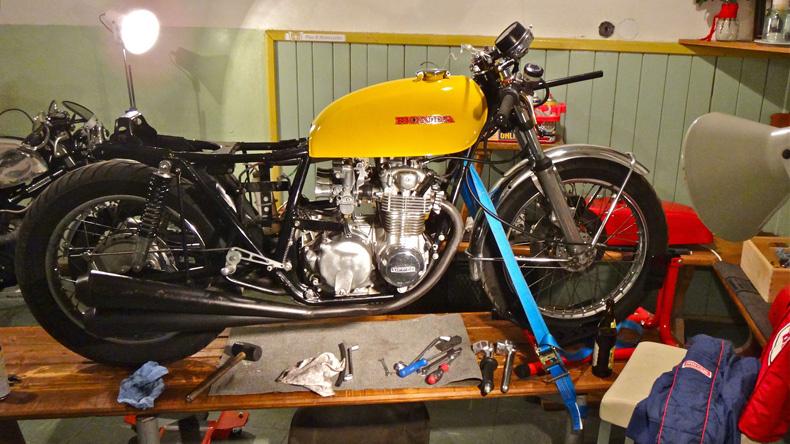 Avon Roadrider Am Honda Cb Cafe Racer