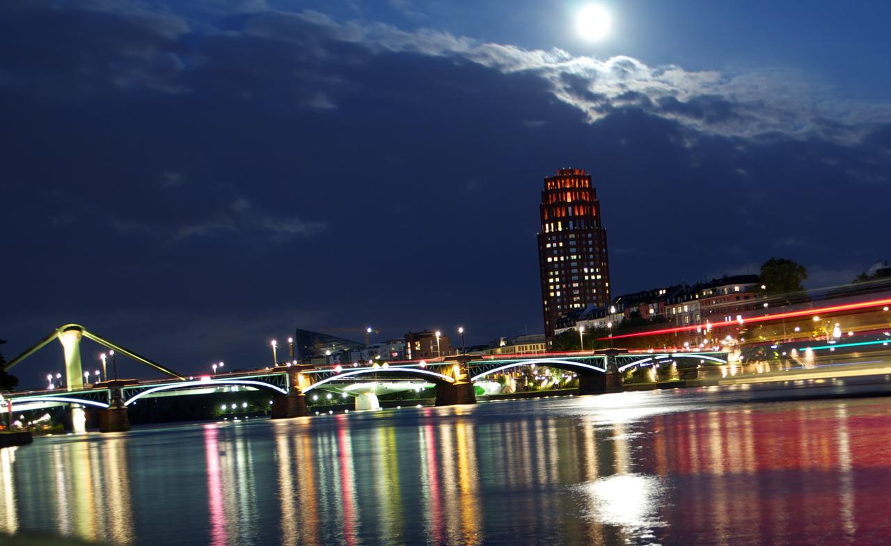 Frankfurt nachts deutsches architektur forum for Architektur frankfurt