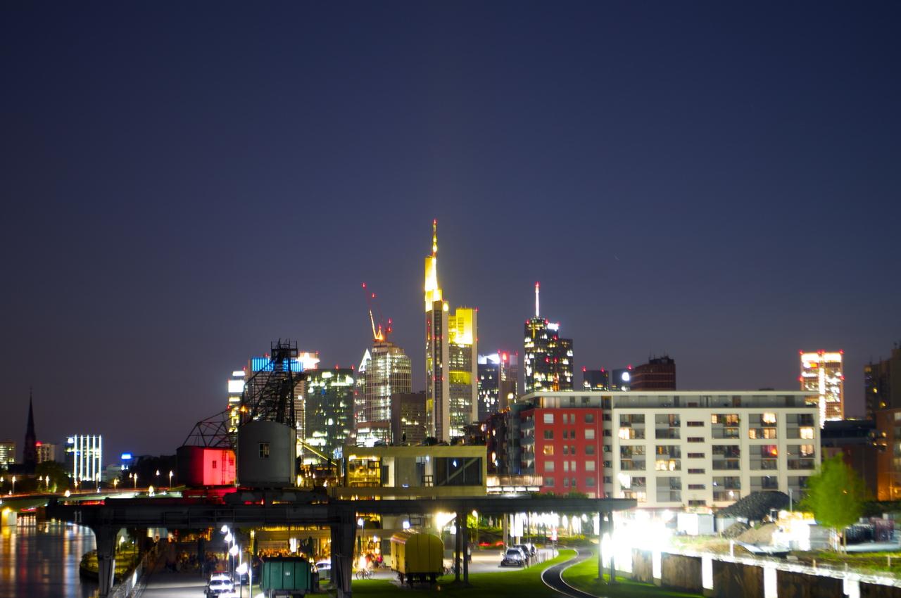 Frankfurt nachts deutsches architektur forum for Frankfurt architektur
