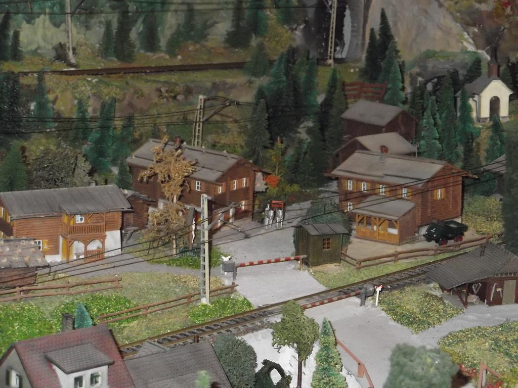 Links und rechts vom Bahnhof Dscf0013jykuf