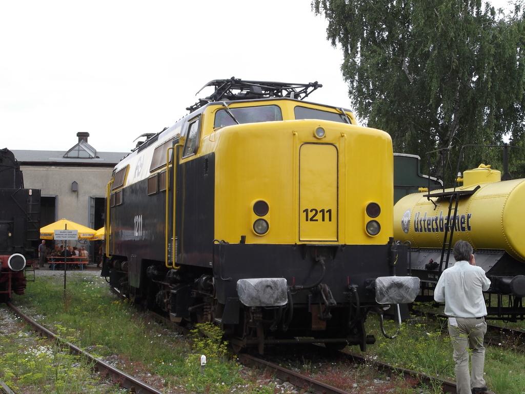E-Lok Serie 1200 der Nederlandse Spoorwegen /NS/ (MÄRKLIN Art.Nr.3051) Dscf1417hyjct