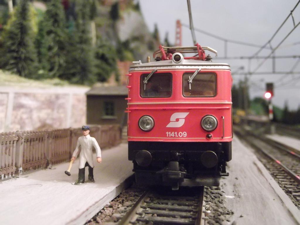 Links und rechts vom Bahnhof Dscf2337wsqbz