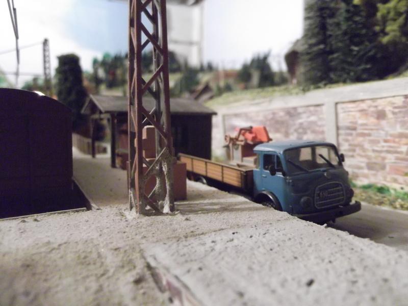 Links und rechts vom Bahnhof Dscf2367mwu8h