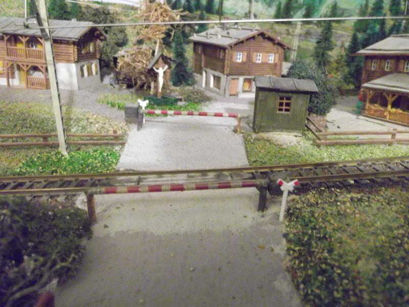 Links und rechts vom Bahnhof Dscf2390vbcm4